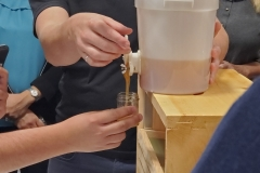 Alveole-Honey-Extracting-Workshop-2